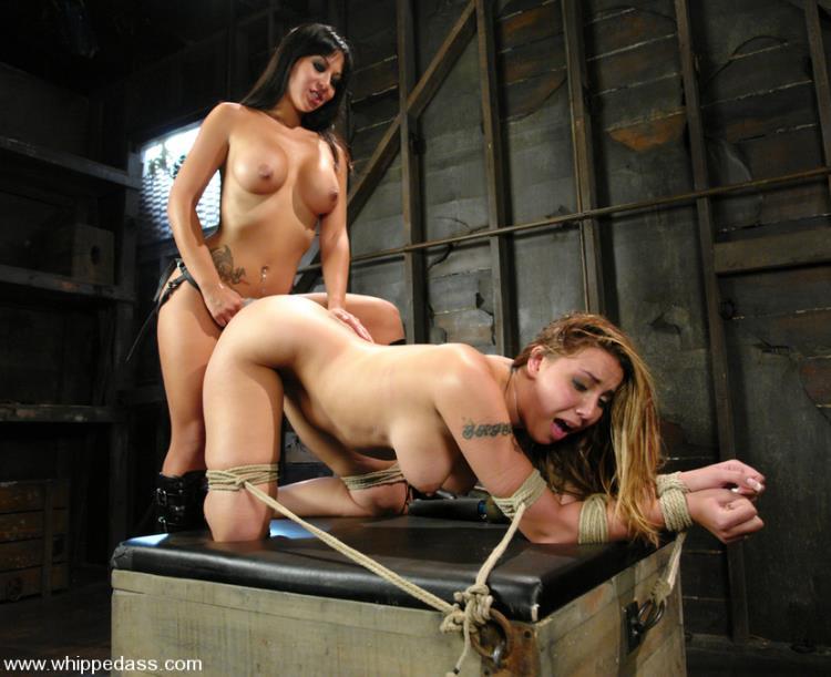 Delilah Strong & Gianna Lynn - Two busty girls in dirty lesbian BDSM [Kink, WhippedAss / HD]