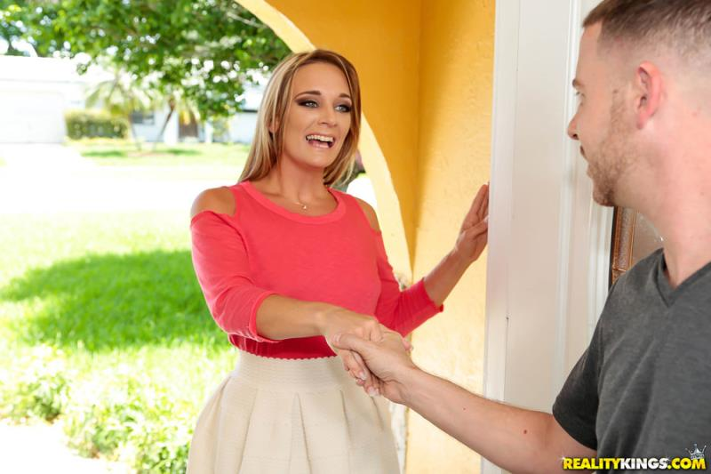 Tucker Pierce - Nosy Neighbor (30.10.2017) [RealityKings, MilfHunter / SD]
