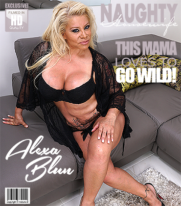 Mature.nl: Alexa Blun (48) in big breasted housewife goes wild (FullHD/1080p/613 MB) 01.10.2017