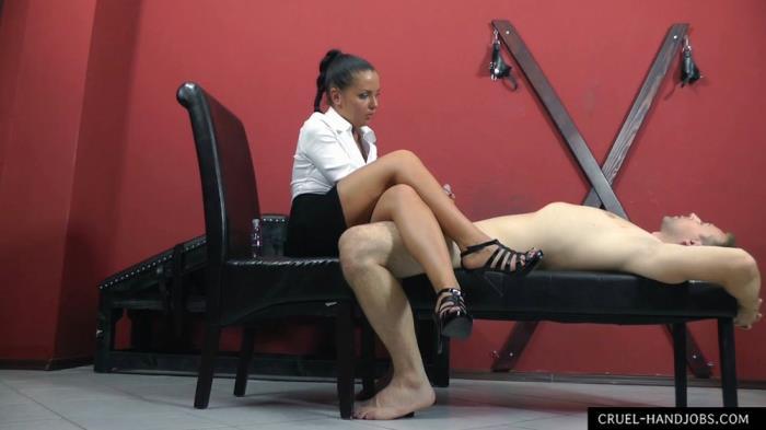 Mistress Lisa - Favour (CruelAmazons, Cruel-Mistresses,Cruel-Handjobs) FullHD 1080p