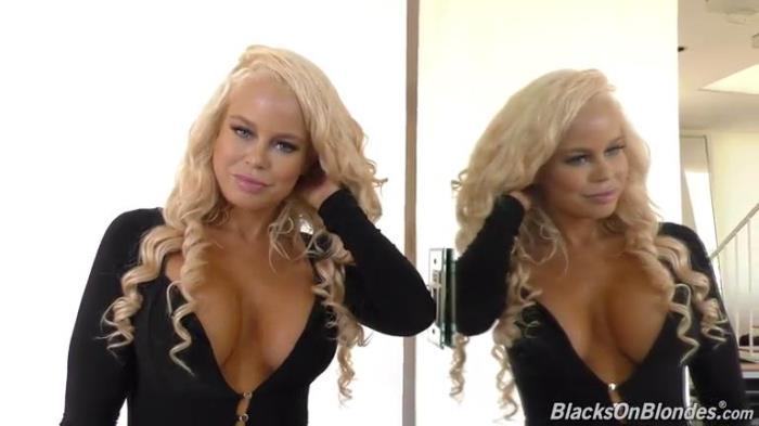 BlacksOnBlondes.com / DogFartNetwork.com - Nikki Delano - BTS [SD, 432p]