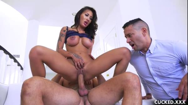 Amia Miley - Closing the Deal - Cucked.xxx (SD, 480p)