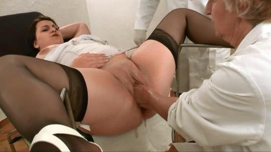 La FRANCE a Poil: Syrial a pris rendez-vous chez un gyneco tres competent! (HD/720p/565 MB) 12.10.2017