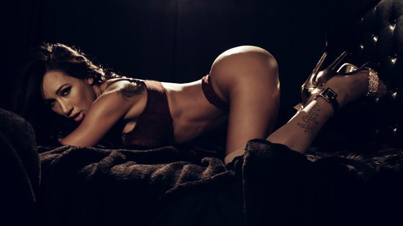 PornFidelity.com: Amia Miley - Make 'Em Sweat #13 [SD] (1.61 GB)