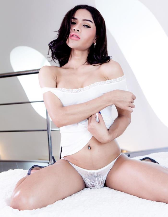 Franks-tgirlworld - First [First, Super Sexy In White!] (FullHD 1080p)