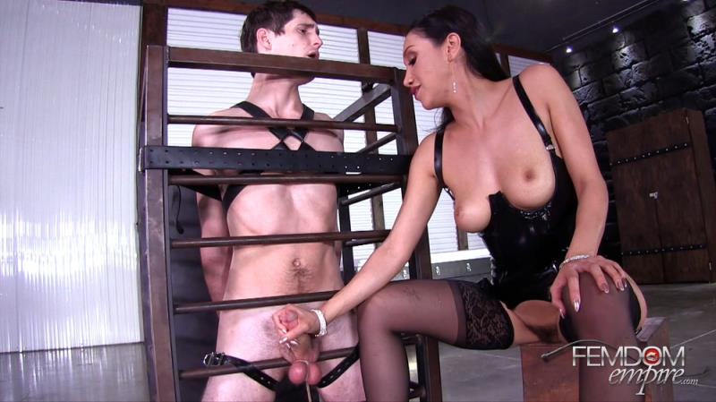 FemdomEmpire.com: Vicki Chase - Restrained & Drained [FullHD] (899 MB)
