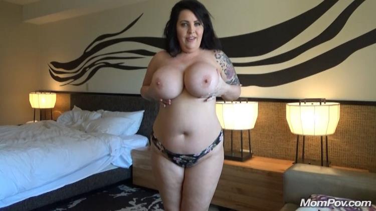 Lacy (Lacy Thick busty bonus clip / E109) [MomPov / HD]