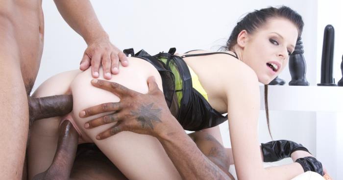 LegalPorno: Daniela Rose & 2 big black cocks in anal pissing video - Daniela Rose [2015] (SD 480p)