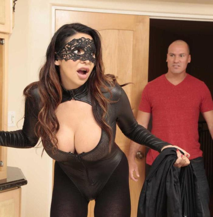 RKPrime/RealityKings - Missy Martinez - One Hot Robber -  [HD / 720p / 560.84 Mb]