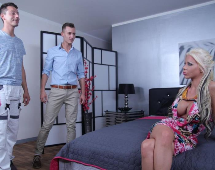 MomXXX/SexyHub:  Barbie Sins- UK MILF takes two cocks in one hole  [2017|SD|480p|277.34 Mb]