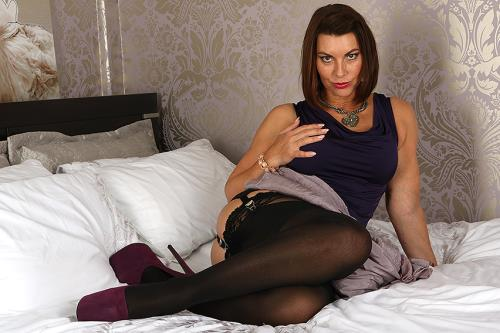 Christine O. (EU) (48) - British MILF Christine loves fooling around (19.10.2017/Mature.eu / Mature.nl/FullHD/1080p)