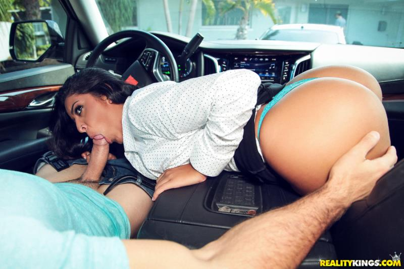 8thStreetLatinas.com / RealityKings.com: Mia Martinez - Mia The Cheater [SD] (385 MB)