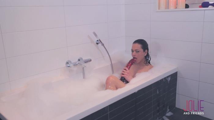 JolieAndFriends.com - Camilla Jolie - Camilla Taking a Bath [FullHD, 1080p]