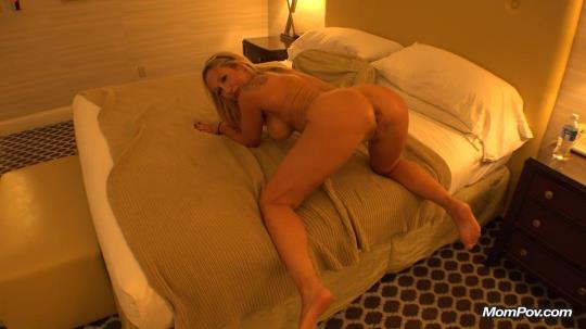 MomPov: Jessi - Jessi Blonde hottie bonus vid - E110 (HD/720p/827 MB) 24.10.2017