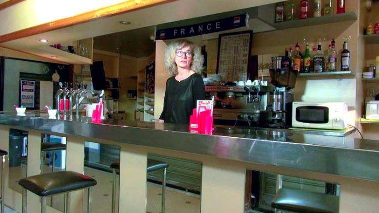 Isabelle, 42ans, patronne d'un bar PMU ! [J&M / SD]