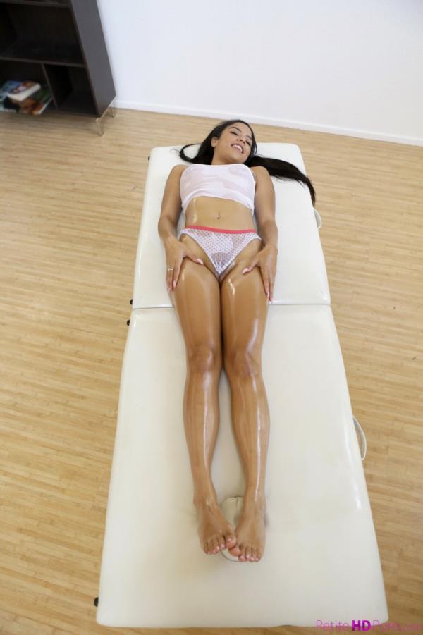 Maya Bijou - Teenage Dream [PetiteHDPorn.com / Nubiles-Porn.com] [SD] [333 MB]