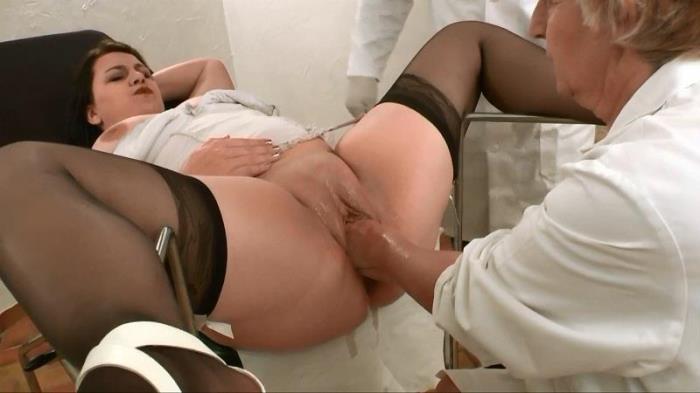 Syrial a pris rendez-vous chez un gyneco tres competent! (La FRANCE a Poil) HD 720p