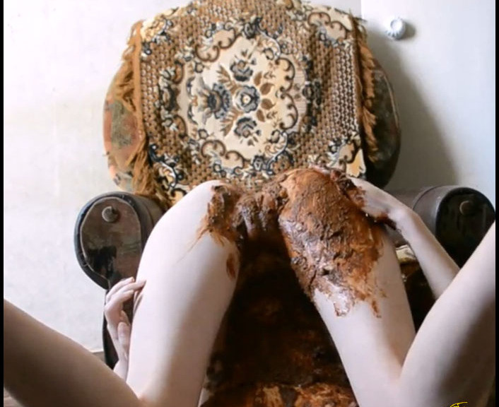 KassianeArquetti - Smeared Top kv Feet and Body of Shit (Big Pile, Dirty, Drink Urine)  [FullHD 1080p]