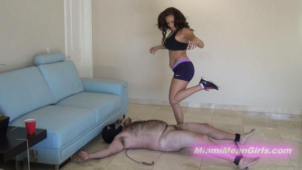 MiamiMeanGirls, Clips4sale: Princess Carmela - Ballbusting Leg Workout (FullHD/1080p/934 MB) 28.11.2017