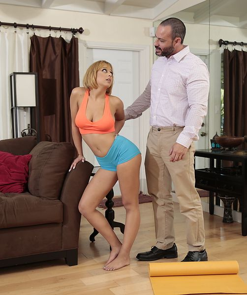 Marilyn Mansion, Bruno Dickenz - Stretching Titties  (2017/BigNaturals/RealityKings/HD/720p)