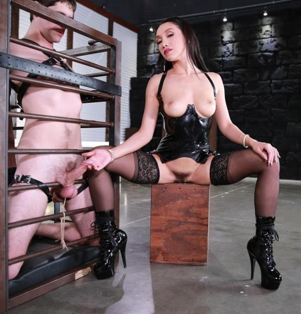 Vicki Chase - Restrained - Drained (FemdomEmpire) - [FullHD 1080p]