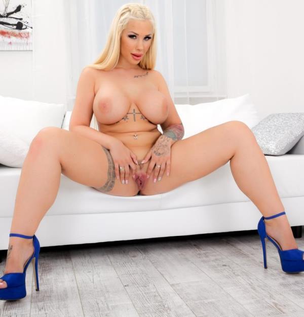 Kyra Hot - Busty Blonde Kyra's Titty Creampie [HD 720p]