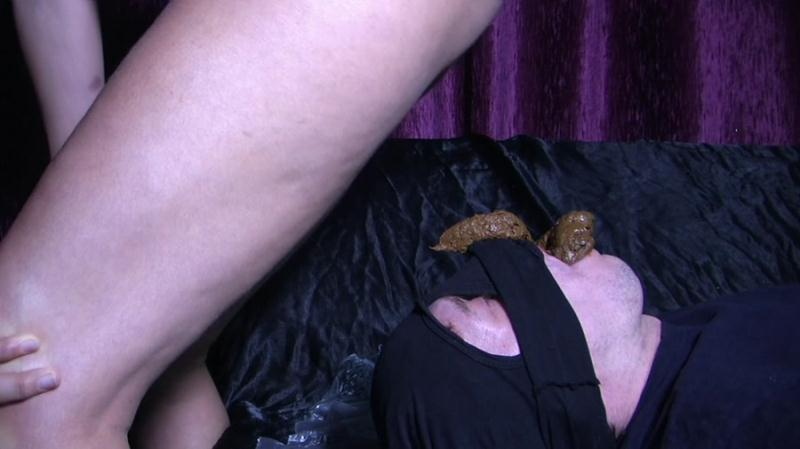Goddess Diana - Takes a Dump In Her Slave's Mouth 4 (Scat / Femdom) YezzClips [FullHD 1080p]