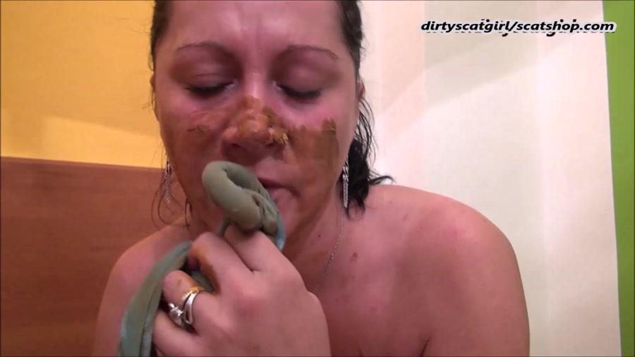 Scat Girl - Private SCAT Slave In Pantyhose Sucks Dick (Blowjob Scat) [FullHD 1080p] [Panty Scat]