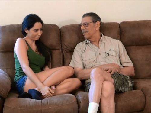 Rachel Rose - Rachel Loves Her Grandpa (HD)