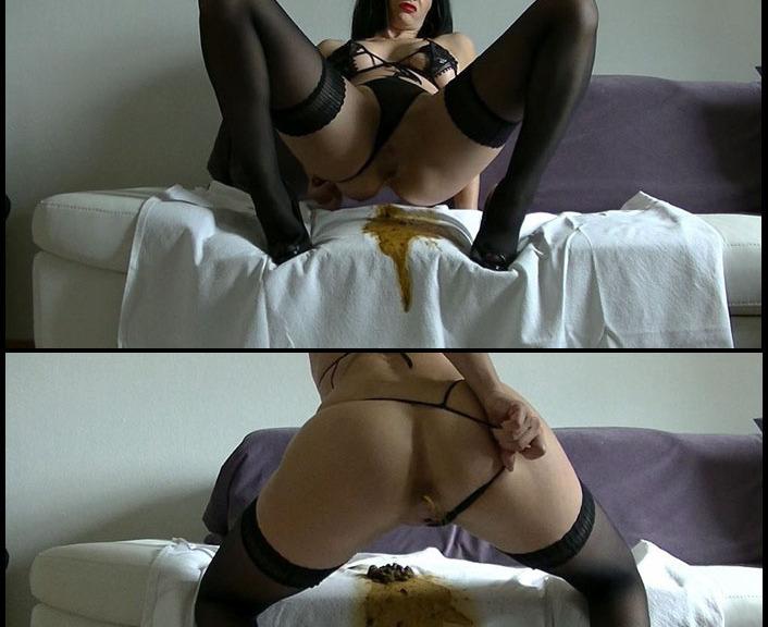 Maria Devot - Sexy Dunnschiss New Scat (Femdom Scat, Domination Scat)  [FullHD 1080p]