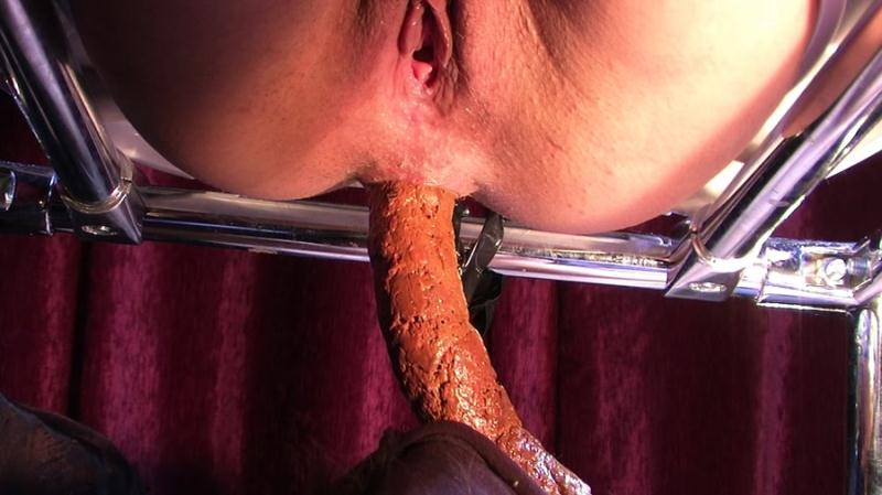 Goddess Diana - Scat Spitting (Scat / Femdom) YezzClips [FullHD 1080p]
