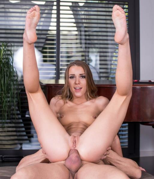 Alexis Crystal - Enjoys Anal With Our Photographer (Anal) - Private   [SD 360p]