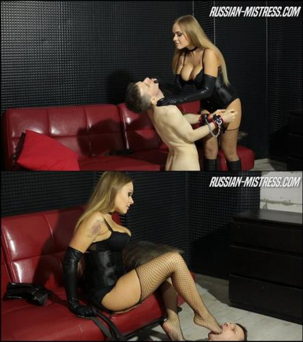 Training her foot slave - Mistress Gianna (SiteRip/Russian-Mistress/FullHD1080p)