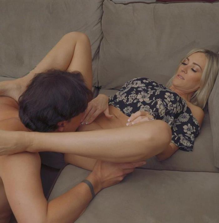 FemaleWorship: Blake Morgan - Chore Number One [FullHD 1080p] (378.25 Mb)