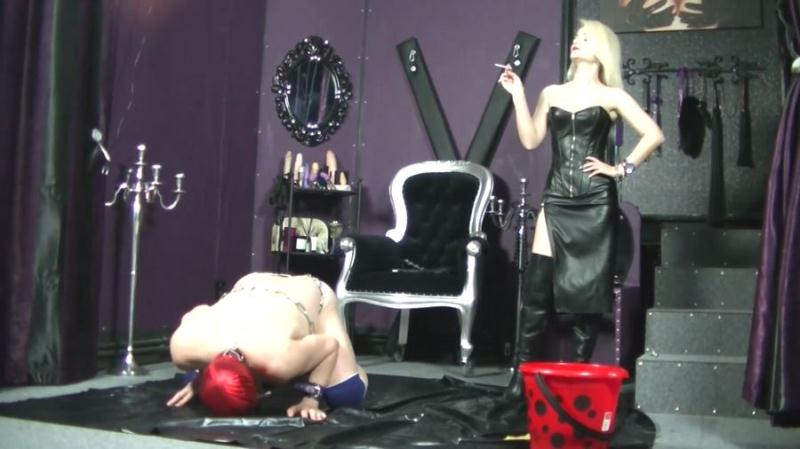Godess Margo - Godess Margo And Her Friend Use Toilet – Side Angle – Toilet slave and dommes (Femdom Scat, Domination) Humiliation Scat [FullHD 1080p]