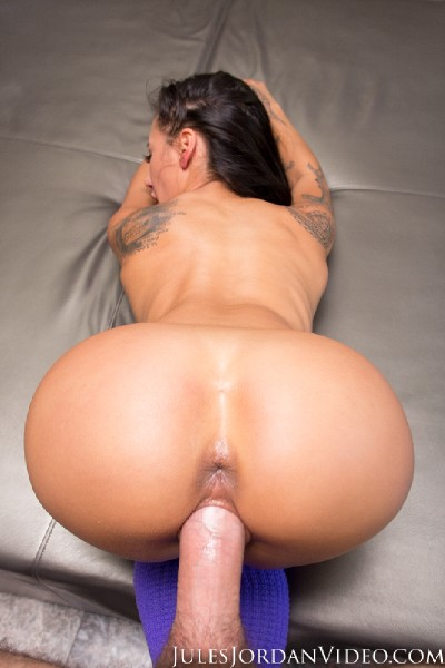Amia Miley - Amia Miley Is Such A Tease In POV (Latinas) - JulesJordan [FullHD 1080p]