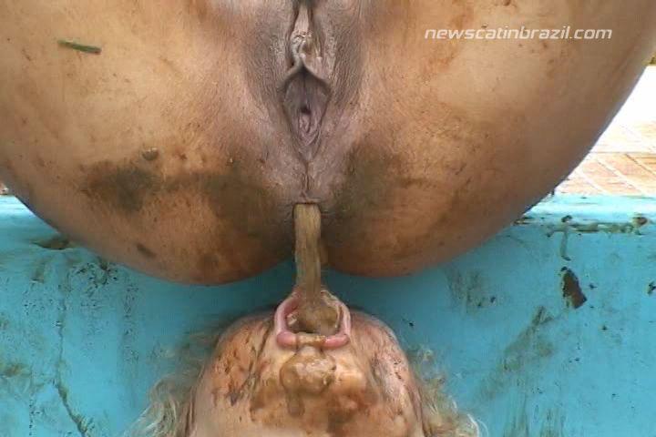 Melania - Scat Summer Pool (Poopping, Shitting, Big pile, Scat)  [SD]