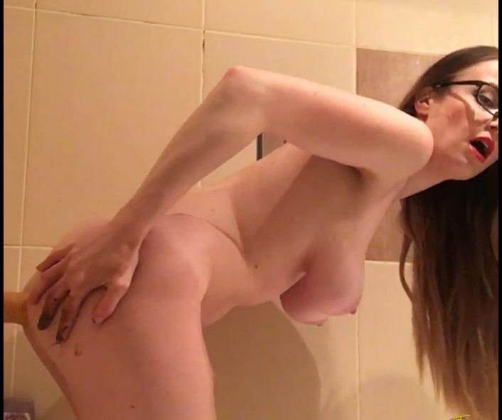 Tima - Orgasm in Bathroom (Shitting, Big pile)  [FullHD 1080p]