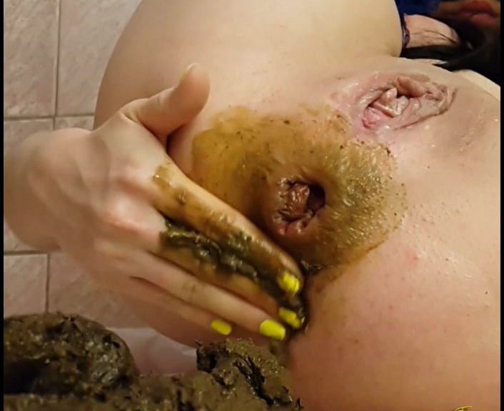 LindzyPoopgirl - A Little Fingering And A Lot Of Shit And Smear (Poopping, Shitting)  [FullHD 1080p]