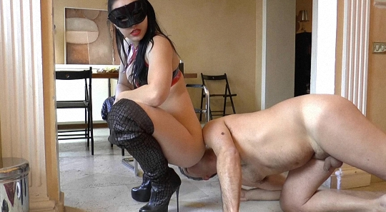 DirtyBetty - Pushing Your Face Into My Shit New (Toilet Slavery, Domination, Scat)  [UltraHD 4k]