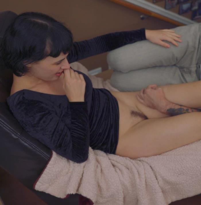 FemaleWorship: Olive Glass - I Love How Well You Take Orders [FullHD 1080p]