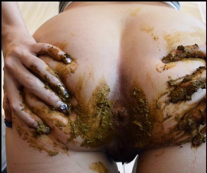 PrincessPuckie - Big Farty Dump in Leggings (Solo Scat / Extreme) Extreme Scat [FullHD 1080p]