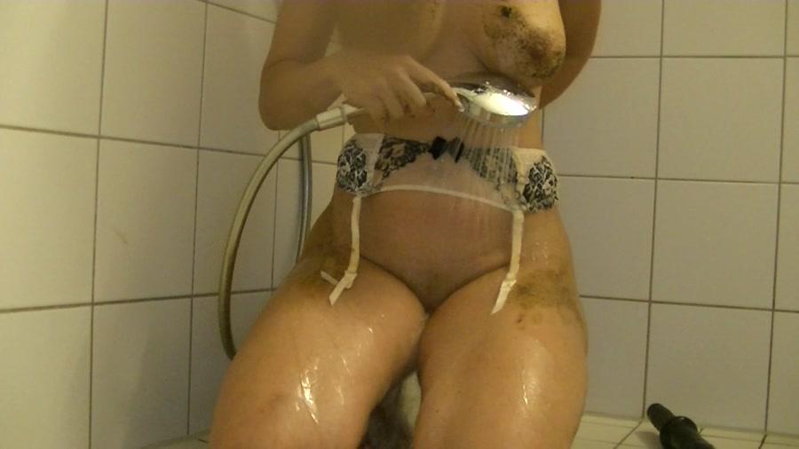 Maria Devot - KV showered (Scat / Austria) - Amarotic [FullHD 1080p]