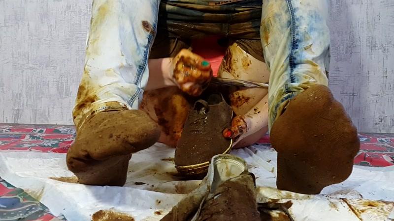 Jeans Pooping - Mega Shit [Scat / FullHD]