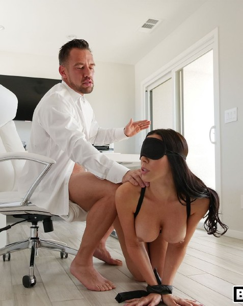 AssParade / BangBros - Rachel Starr - Rachel Starr Gets Railed by Her Boss [SD 480p]