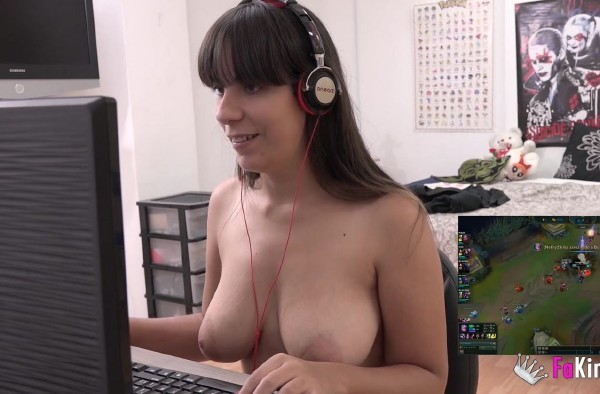 FAKings: Nefry92 - Professional LoL streamer, youtuber and now Filming Porn. Nefry92, wish she was our girlfriend  [FullHD 1080p] (1.53 Gb)