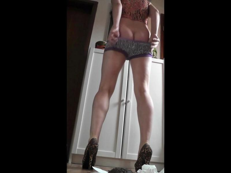 Kim Koettbullar - Solo Smear 36 (Amateur Scat, Solo) Voyeur Potty [HD 720p]