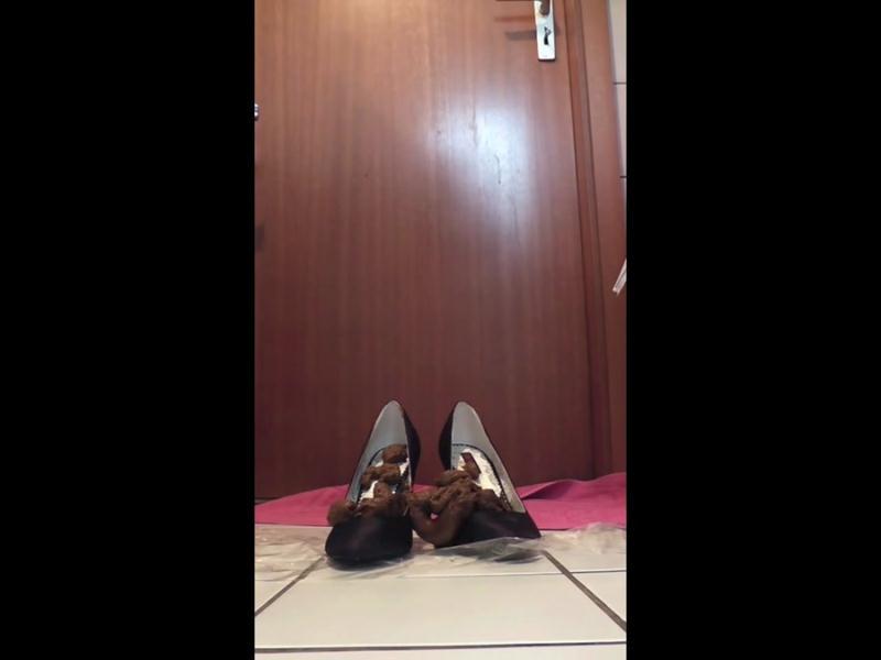 Kim Koettbullar - Solo Scat 45 (Amateur Scat, Solo) Voyeur Potty [HD 720p]