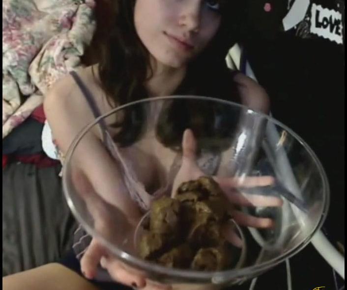 LindzyPoopgirl - Sexy Scat Teen Latina (Scat, Shit, Poo)  [FullHD 1080p]