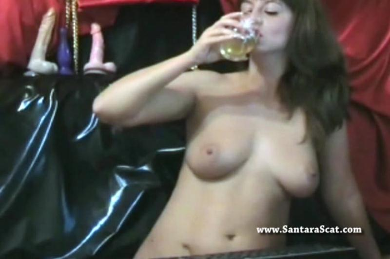 Santara - Drinking My Pee During a Live Show (Netherlands / Solo Scat) SantaraScat [SD]